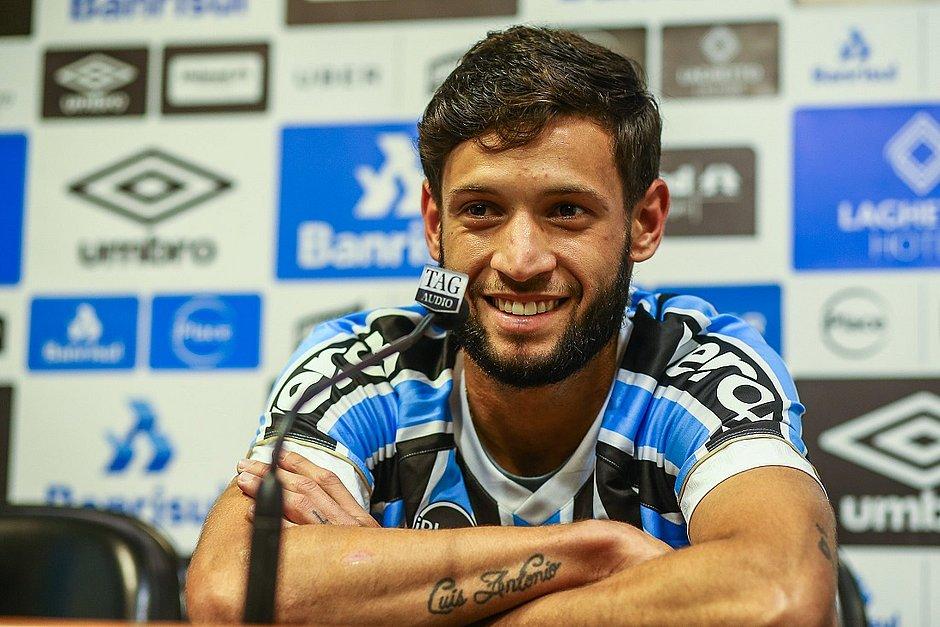 Revelado pelo Bahia, Juninho Capixaba é emprestado pelo Grêmio ao tricolor baiano até dezembro