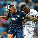 Defesa rubro-negra não conseguiu superar o Grêmio e voltou a sofrer derrota vergonhosa como visitante