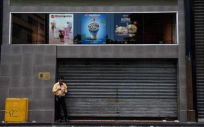 Lanchonete Mac Donalds fechado em Caracas. A cadeia americana fechou vários de seus restaurantes na Venezuela, desde que a economia local entrou em colapso.