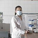 A professora Francine Johansson, 37 anos, é docente da Faculdade de Farmácia da Ufba. Sem investimentos em pesquisa no país, ela viaja no próximo mês a Universidade da Flórida (EUA)