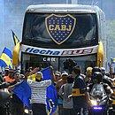 Ônibus do Boca Juniors foi atacado por pedras e gás de pimenta na chegada ao Monumental de Nuñez