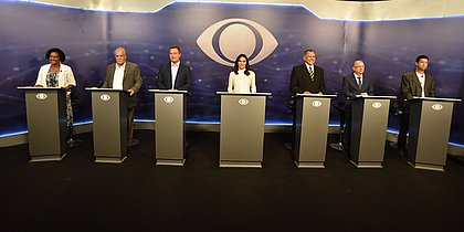Rui Costa é alvo em primeiro debate entre candidatos ao governo