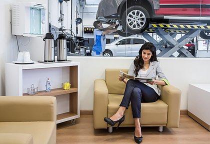 A maioria dos veículos novos conta com três anos de garantia. Mas para mantê-la válida é preciso fazer as revisões obrigatórias