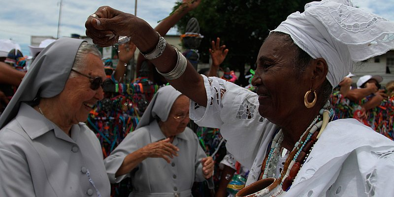 GALERIA: Salvador, cidade de fé e festa