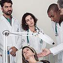 Prática é fundamental em especializações médicas