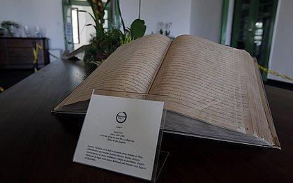 Livro das atas da Casa Pia
