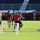 Jogadores do Vitória durante treino no Barradão