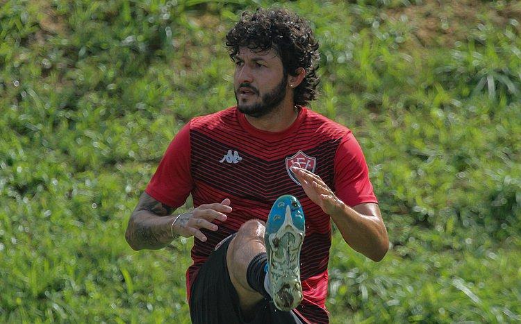 Recuperado de lesão, Fernando Neto revela ansiedade pelo retorno