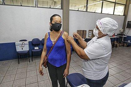 Vacinômetro: 69% dos adultos da Bahia já receberam ao menos uma dose contra covid