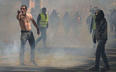 """Manifestação dos """"Coletes amarelos"""" (Gilets Jaunes) em Toulouse."""