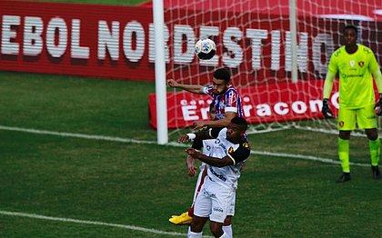 Além de defender as traves do Bahia, o volante Patrick ainda estufou a rede do Sport, em Pituaçu