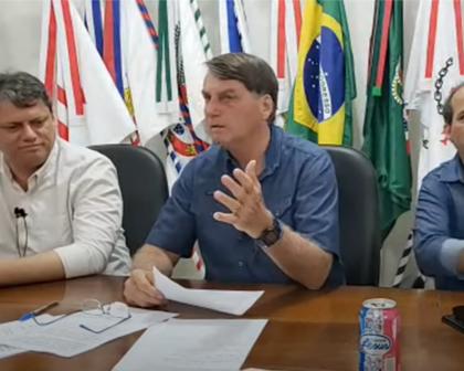 YouTube remove 14 vídeos de lives do presidente Bolsonaro
