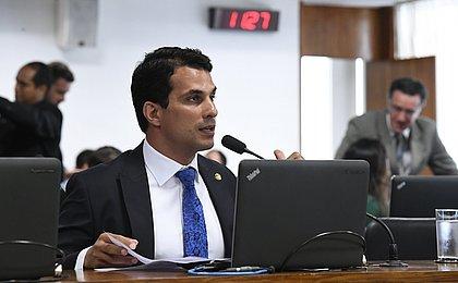 Modelo acusa senador de dopá-la e estuprá-la em São Paulo