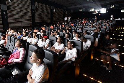 Coronavírus: ACM Neto assina decreto fechando academias e cinemas de Salvador por 15 dias