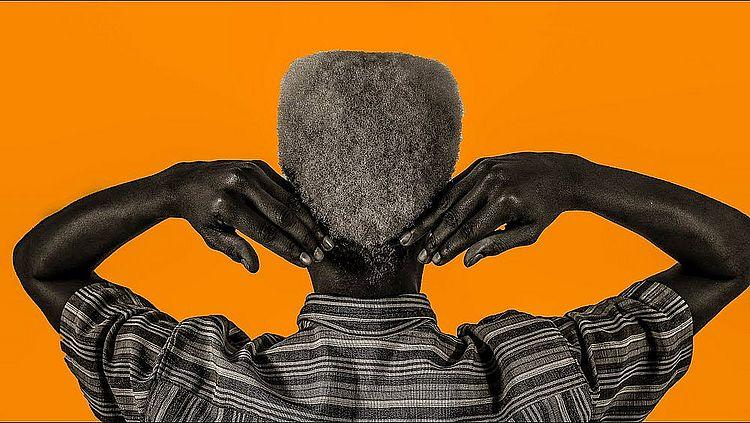 Penteados e cortes estilosos são sinônimo de autocuidado para jovens negros