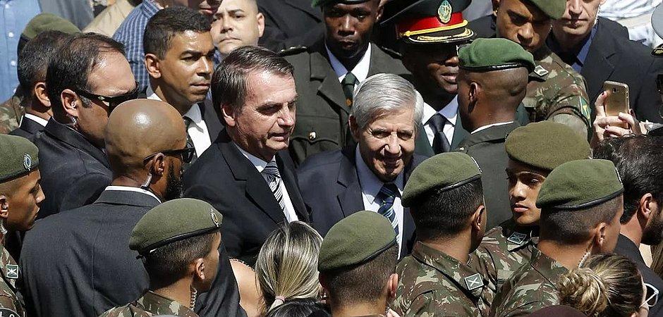 Ala militar discute se segue com Bolsonaro após demissão de Moro ...