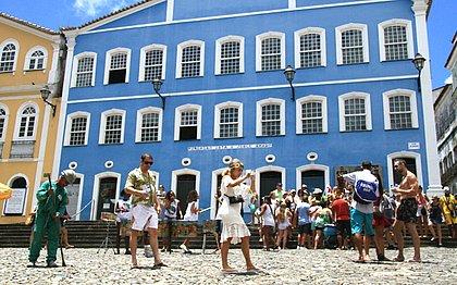 Com 3,7 milhões de turistas até março, Salvador tem Verão mais cheio da década
