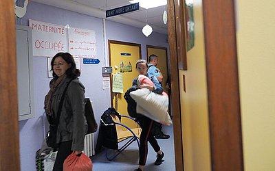 Protesto contra o fechamento de uma maternidade em Le Blanc, centro da França.