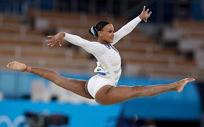Rebeca Andrade fará finais no salto e no solo