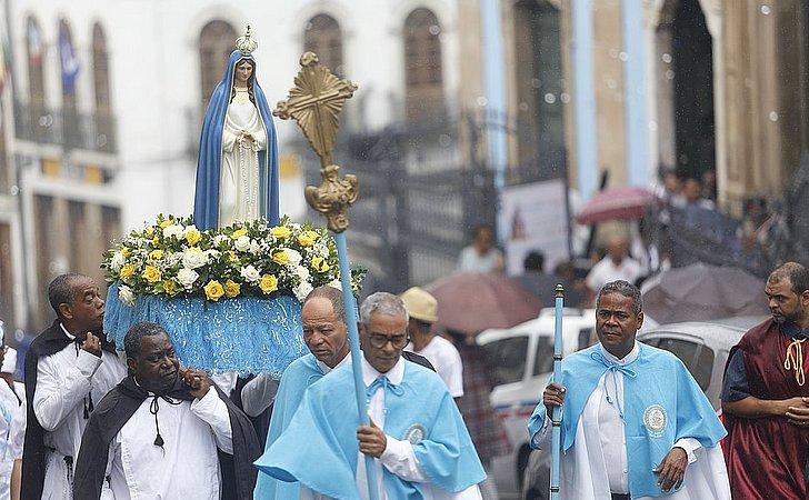 Mama Muxima! Padroeira de Angola é recebida com missa em Salvador