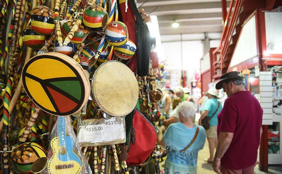 Com mais voos, turistas nacionais crescem quase 40% em Salvador e na Bahia