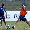 Rossi está curado da lesão na coxa e vai reforçar o Bahia na final da Copa do Nordeste