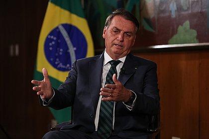 Bolsonaro diz que inquérito do TSEé tentativa de intimidação e ameaça 'sair das 4 linhas'
