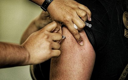 Vacinômetro: Bahia tem 85,45% da população adulta vacinada com ao menos uma dose