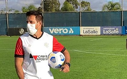 Ramon Menezes vai estrear como técnico do Vitória diante do Internacional