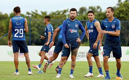 Rossi, Ruiz e Rodriguinho durante treino na Cidade Tricolor
