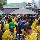 Torcedores brasileiros animaram a chegada da Seleção ao estádio
