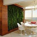 Para quem pode investir um pouco mais, paredes verdes são uma opção