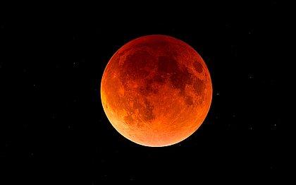 Vídeo flagra meteorito atingindo a lua durante o eclipse