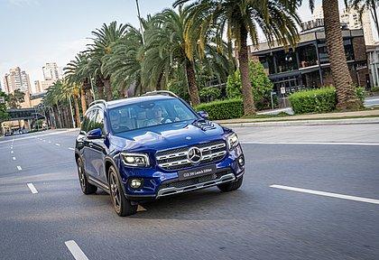 Para reduzir custos, o Mercedes-Benz GLB é produzido em uma fábrica da Nissan no México e utiliza um motor feito pela Renault