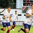 Arthur Rezende comemora após marcar o gol que decidiu o Ba-Vi