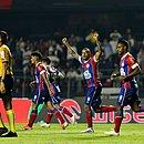 Gregore vibra com o gol marcado por Élber