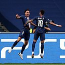 Marquinhos e Neymar comemoram primeiro gol do PSG contra RB Leipzig