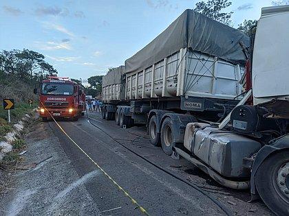 Motorista morre em acidente com 4 carretas no Oeste da Bahia