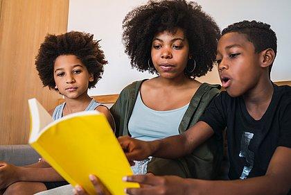 Com mais tempo em casa, brasileiros se dedicaram ao hábito da leitura, afirma pesquisa
