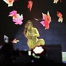 Claudia Leitte cantou em português, espanhol e inglês no palco do Festival