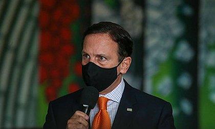 'Bolsonaro gosta do cheiro da morte e do dinheiro das rachadinhas', diz Doria