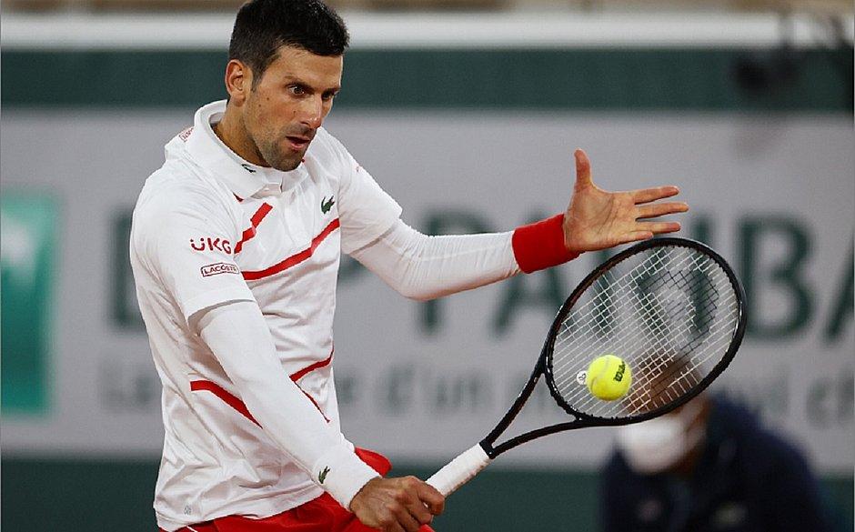 Djokovic vai encarar Ricardas Berankis na rodada seguinte de Roland Garros
