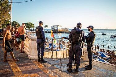 Guarda Municipal faz o controle de acesso ao Porto da Barra