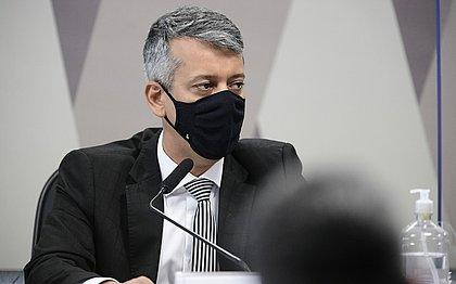 CPI da Covid dá voz de prisão a Roberto Dias por mentir em depoimento: 'pode levar'