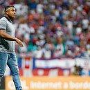 Roger Machado durante a partida entre Bahia e CSA na Fonte Nova