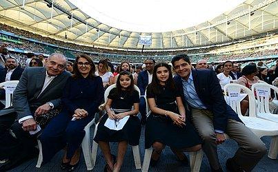 Prefeito ACM Neto acompanhou a cerimônia junto com filhas Lívia e Marcela e pelos pais, Rosário e Antônio Carlos Magalhães Júnior