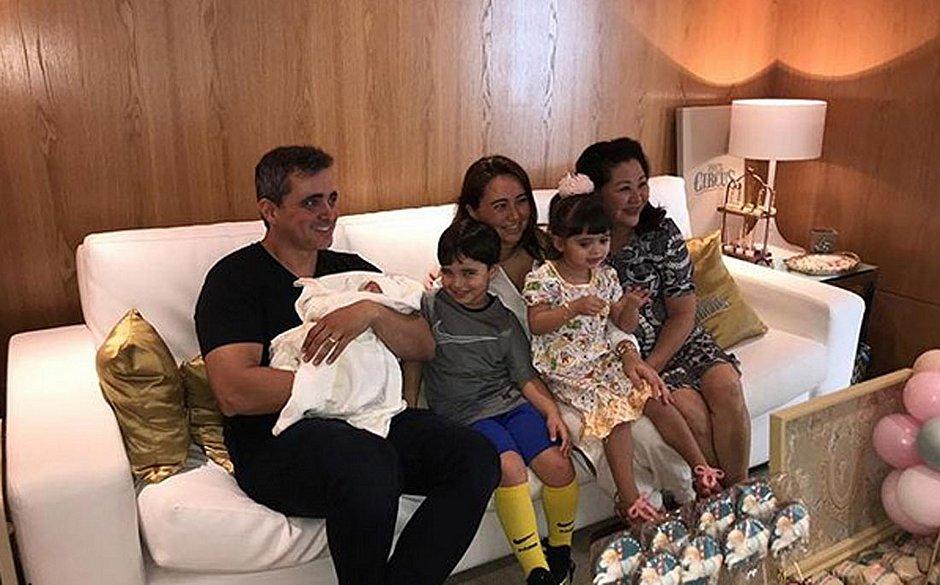 6b396b29ce0ba Mãe de Sabrina Sato prepara festa para receber neta Zoe - Jornal CORREIO