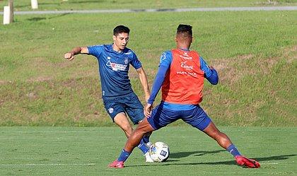 Com Rossi suspenso, paraguaio Oscar Ruiz vai ganhar nova chance no ataque do Bahia