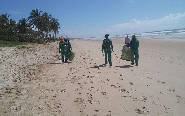 óleo nas praias