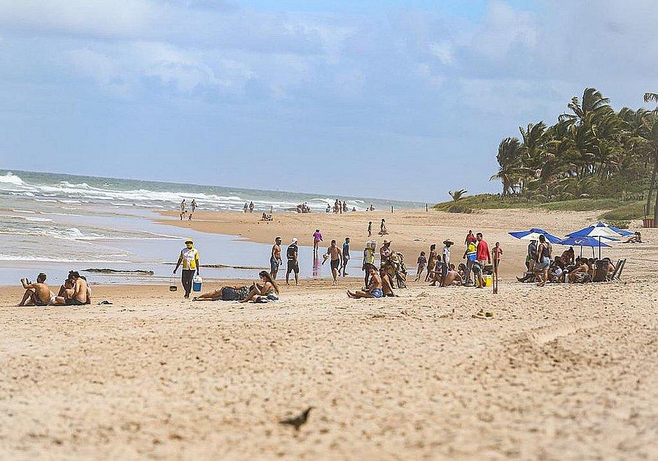 Prefeito deve anunciar nesta sexta (18) abertura gradual das praias